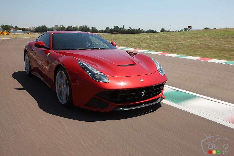 Видео с Ferrari F12berlinetta. е…