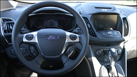 Ford c max hybride 2013 premi res impressions for Interieur ford c max