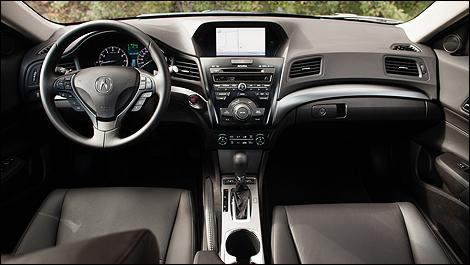 2013 Acura ILX TECH Review | Auto123.com