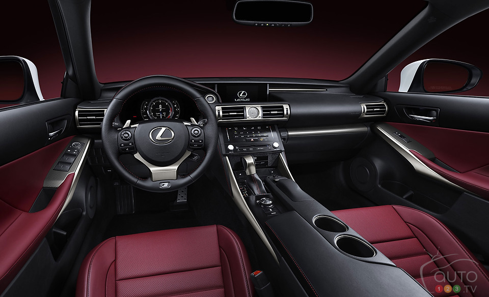Redesigned 2014 Lexus IS rocks Detroit Auto Show