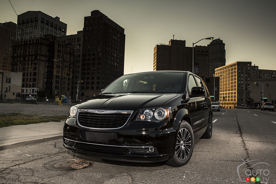 2013 Chrysler Town & Country Preview