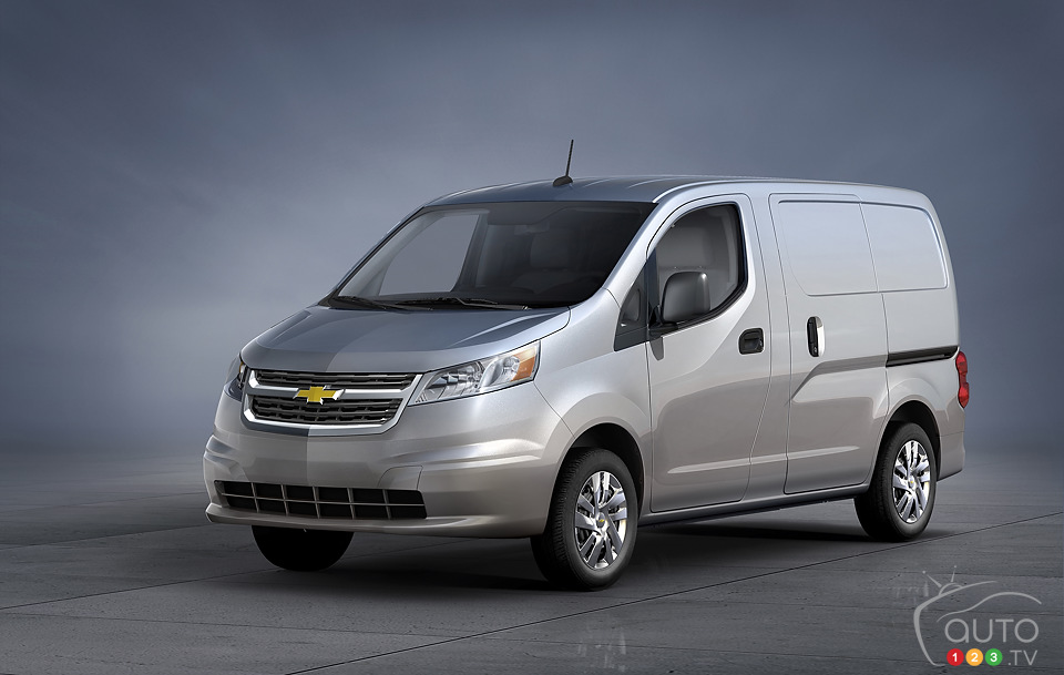 Nissan to build small cargo van for GM