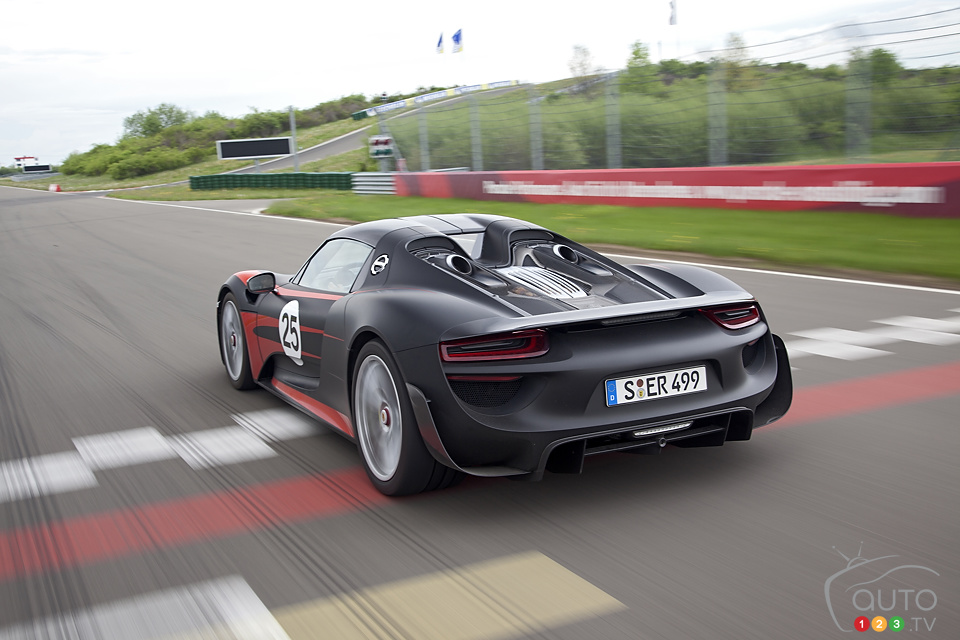 Meet the Porsche 918 Spyder and all its 887 horses!