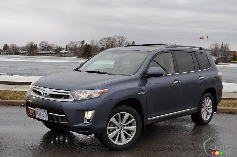 2013 toyota highlander review by aaron d bragman autos post. Black Bedroom Furniture Sets. Home Design Ideas