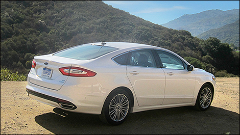 back to back recalls for 2013 ford fusion car news auto123. Black Bedroom Furniture Sets. Home Design Ideas