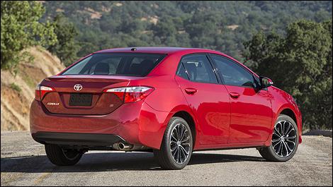 Toyota Corolla S 2014 vue 3/4 arrière