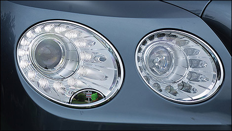 2014 Bentley Continental Flying Spur W12 Mulliner headlights