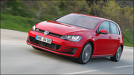 2014 Volkswagen Golf GTI 3/4 view
