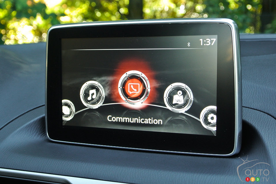 2014 Mazda3 Talks Tech