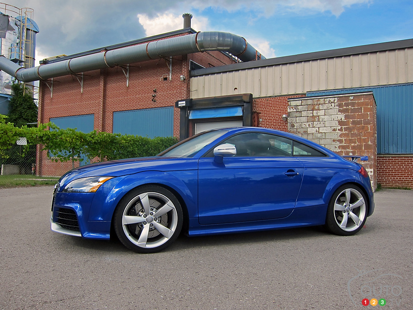 2013 audi tt rs review photo gallery. Black Bedroom Furniture Sets. Home Design Ideas