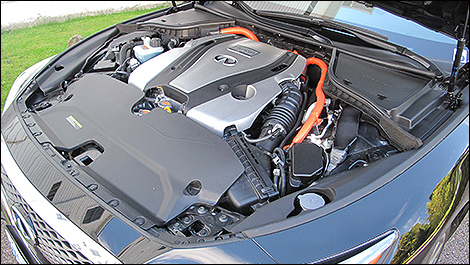 The 3 5l V6 With 302 Hp And 258 Lb Ft Of Torque Can Be Deactivated Any Time Electric Driving Is Possible Photo Mike Goetz