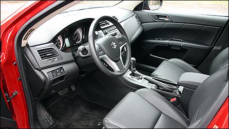 2012 Suzuki Kizashi Sport cabin