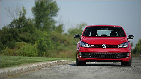 2013 Volkswagen Golf GTI Wolfsburg Edition front view