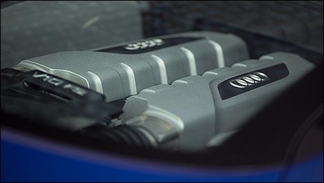 2014 Audi R8 V10 Plus engine