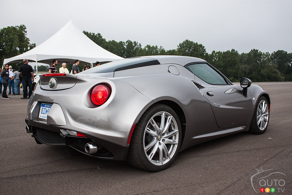 2015 Alfa Romeo 4C First Impression