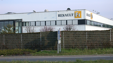 F1 renault avoue qu 39 il existe un 39 probl me 39 son usine for Garage renault viry chatillon