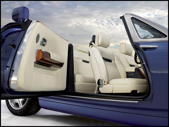 Rolls-Royce to introduce high-class Phantom Drophead Coupe at NAIAS