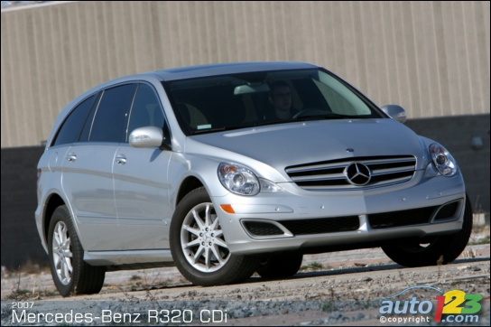 List of car and truck pictures and videos auto123 for Mercedes benz r320 cdi