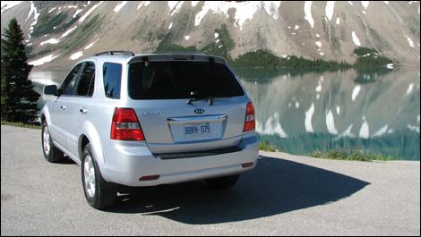 The 2008 Sorento starts at $32495 $ (LX model).