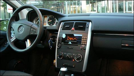 Mercedes benz b200 turbo 2007 essai nouvelles auto123 for Mercedes b interieur