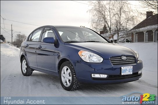 2004 Hyundai Accent Photos | Auto123