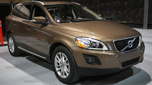 Volvo XC60's City Safety minimizes collision risks Video
