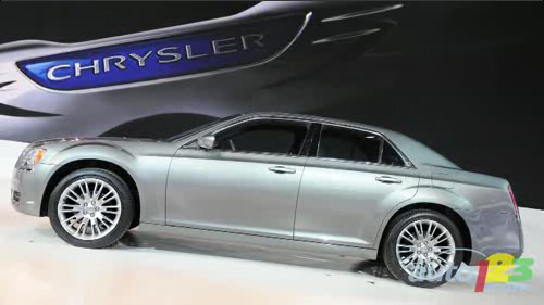 Detroit 2011: Chrysler 300 world debut Video