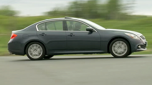 2011 Infiniti G37xS Video Review