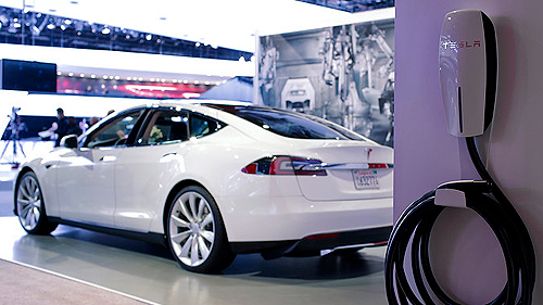 VIDEO: Tesla Model S at Detroit Auto Show Video