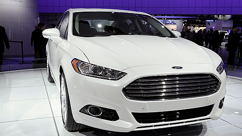 VIDEO: 2013 Ford Fusion Hybrid at Detroit Auto Show Video