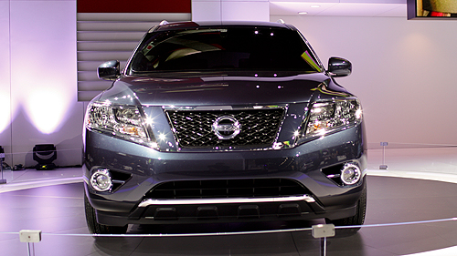 Nissan Pathfinder and e-NV200 concepts unveiled in Detroit Video