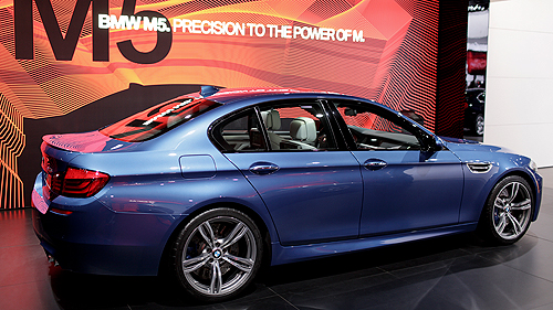 2013 BMW M5 in Detroit Video