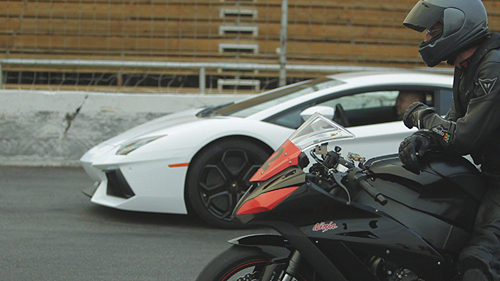 2012 Lamborghini Aventador vs 2011 Kawasaki ZX-10R Video