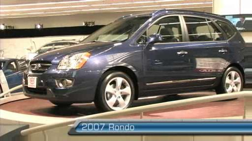 2007 Kia Rondo at the Montreal Auto Show (VIDEO) Video