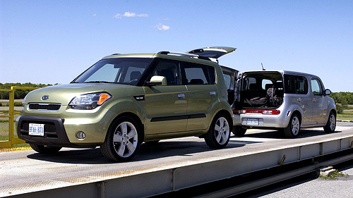 Face � face: Nissan cube VS Kia Soul Video