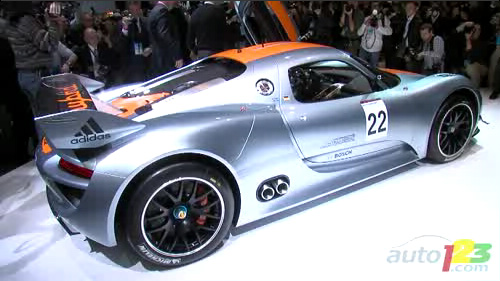 D�troit 2011 : Porsche l�ve le voile sur la 918 RSR hybride Video