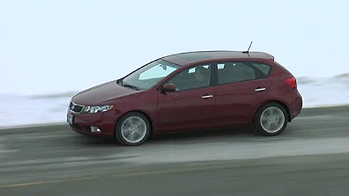 Kia Forte 5 SX luxe 2011 : essai routier Video