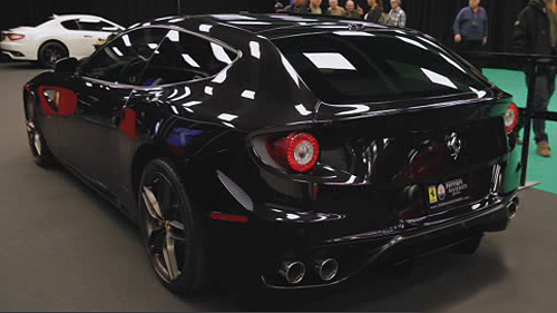La Ferrari FF 2012 au Salon de l'Auto de Montr�al Video