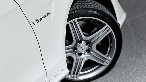Mercedes-Benz CLS 63 AMG 2012 Video