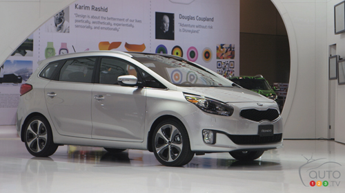 Salon de Toronto - Kia Rondo 2014 Video