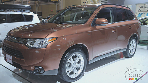 Salon de Toronto - Mitsubishi Outlander 2014 Video