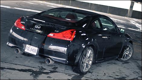 2011 Infiniti IPL G Coupe Review  Auto123com