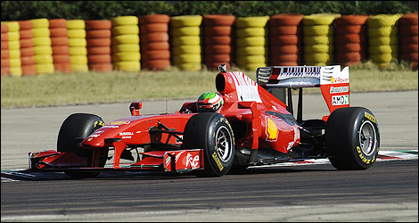 f1 sergio p rez impressionne bord d 39 une ferrari 2009 photos. Black Bedroom Furniture Sets. Home Design Ideas