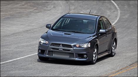 2011 Mitsubishi Lancer Evolution MR Review (video)   Auto123.com