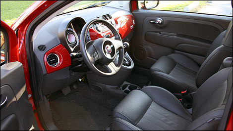 2012 Fiat 500 Lounge Review | Auto123.com