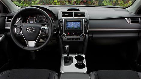 Toyota Camry Se 2012 Essai Routier Auto123 Com