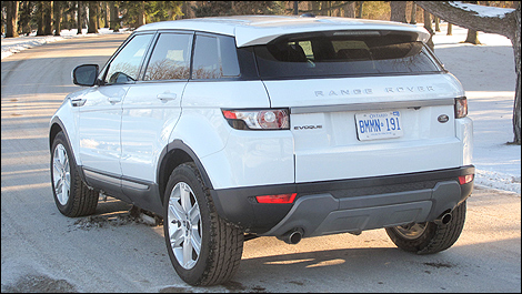 2012 Range Rover Evoque Pure rear 3/4 view
