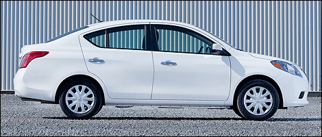 2012 Nissan Versa 1.6 SV Sedan right side view
