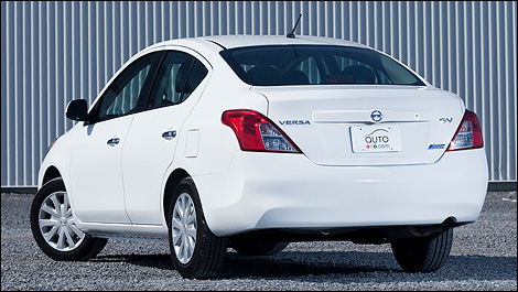 2012 Nissan Versa 1.6 SV Sedan rear 3/4 view