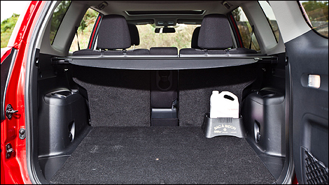 toyota rav4 sport 4rm 2012 essai routier. Black Bedroom Furniture Sets. Home Design Ideas